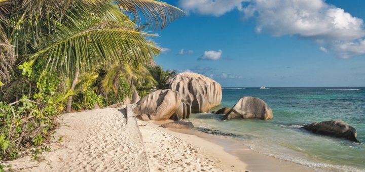 Zum Winter hat die DER Touristik wieder Fernziele wie die Seychellen oder Thailand im Angebot: Foto: Walkerssk / Pixabay