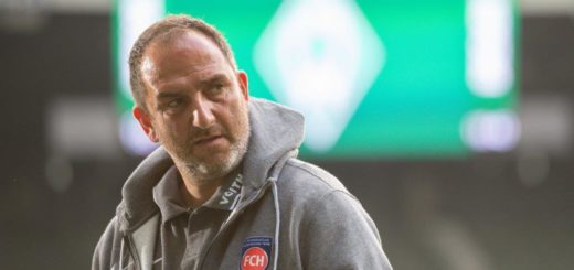 In der Relegation 2020 hatte er mit seinem Club gegen Werder noch den Kürzeren gezogen - jetzt kehrt er zurück ins Weserstadion: FCH-Trainer Frank Schmidt. Foto: Nordphoto