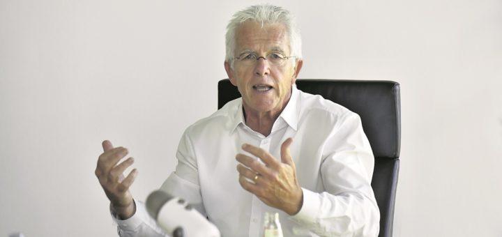 """""""Grundeinkommen jetzt"""", fordert der Hamburger Wirtschaftswissenschaftler Thomas Straubhaar. So heißt auch sein neues Buch, das bei NZZ Libro in Basel erschienen ist.Foto: pv"""