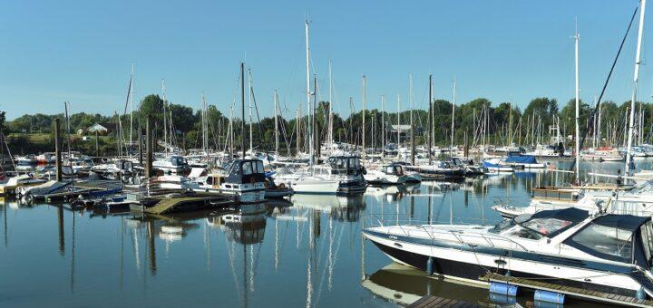 Im Yachthafen Hasenbüren sind die Stege voll. Auch die Nachfrage nach Winterplätzen ist hoch. Foto: Schlie